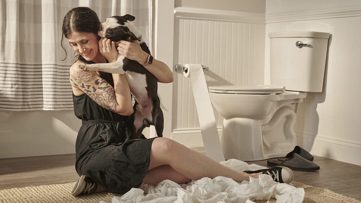 vormax plus toilet woman with dog