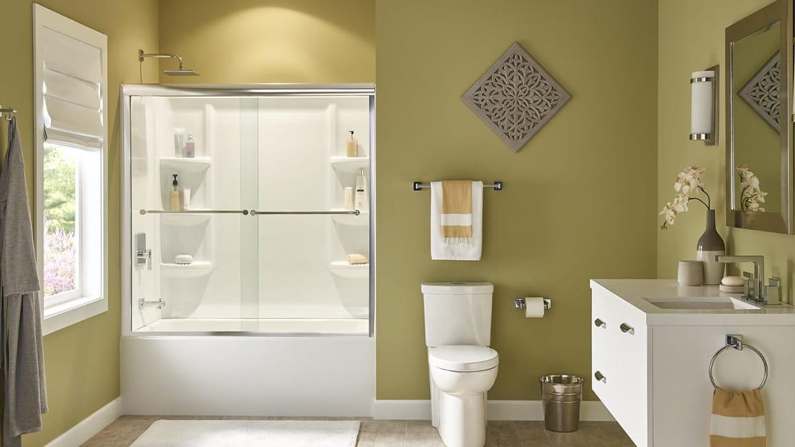 Tub and Shower Doors featured in Studio Suite
